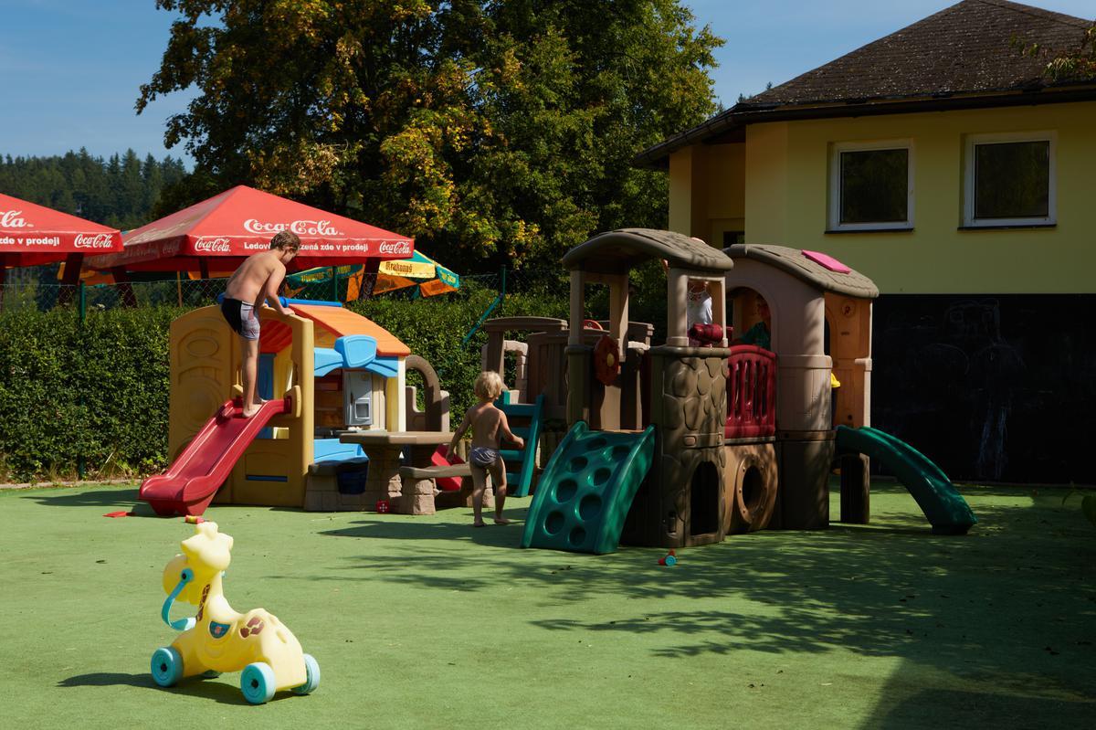 Hřiště pro děti v kempu Dolce
