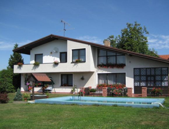 Cottage Klenovice con piscina
