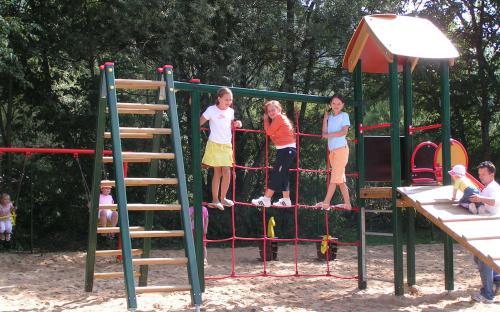 Dětské hřiště v kempu Belá