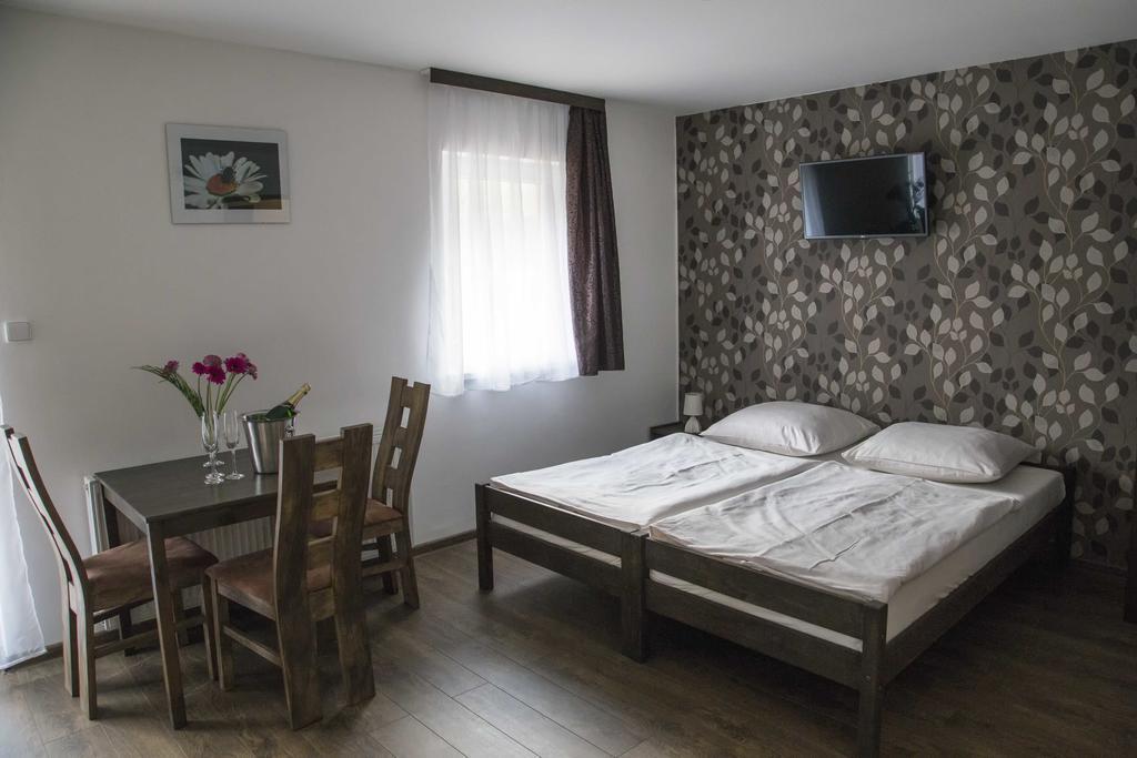 Stylové pokoje v penzionu U Krbu, Mikulov