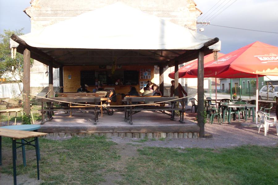 Venkovní posezení - Restaurace na Perku