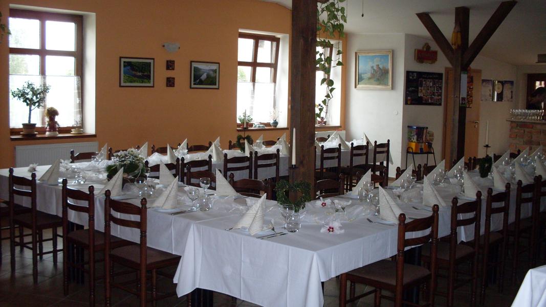 Wesela w pensjonacie na południowych Morawach, Na Perku
