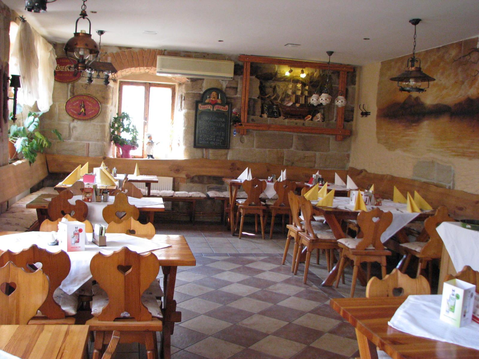Penzion U Duba - Restaurace Sklípek, u Máchova jezera, Liberecký kraj