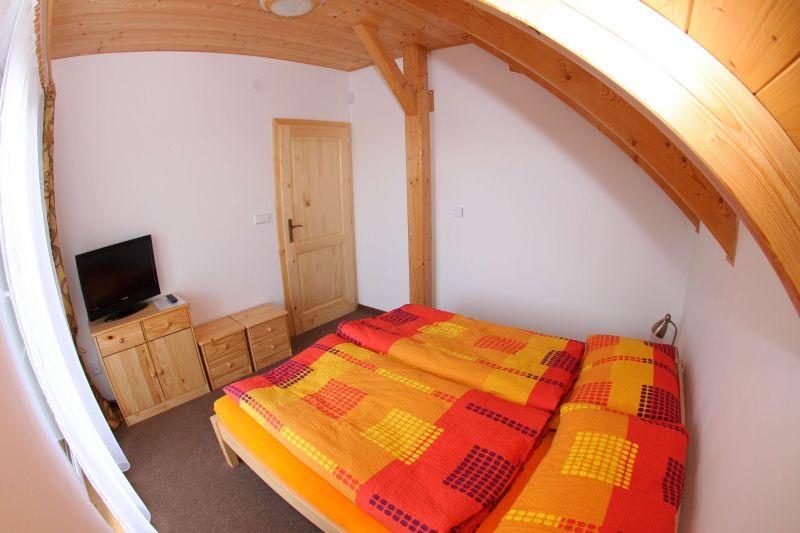 Sechsbettzimmer mit Klimaanlage