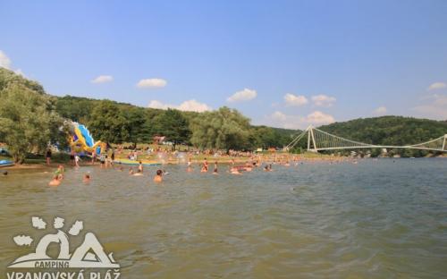 Pláž u kempu Vranov
