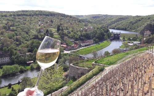 tasting in front of the dam