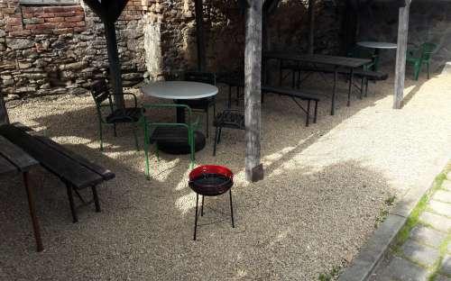 pergola with seating