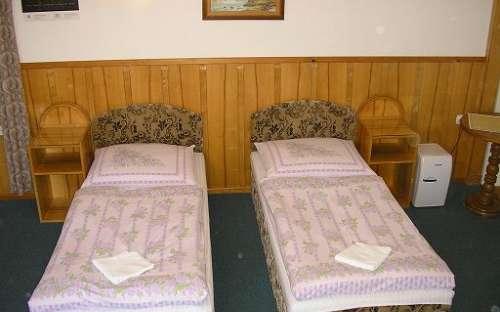 Room No. 2-de mogelijkheid van een tweepersoonsbed