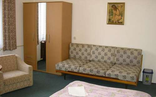 Pokoj č. 2- až 4 plnohodnotná lůžka
