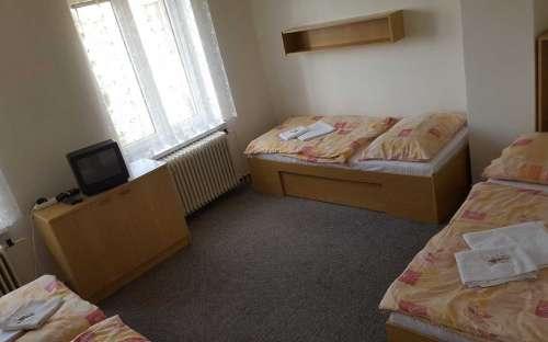 Čtyřlůžkový apartmán typu 1+1 (č.12, 1.NP a č. 22 2. NP)