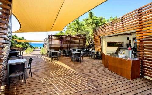 Bar im Lager Santapomata