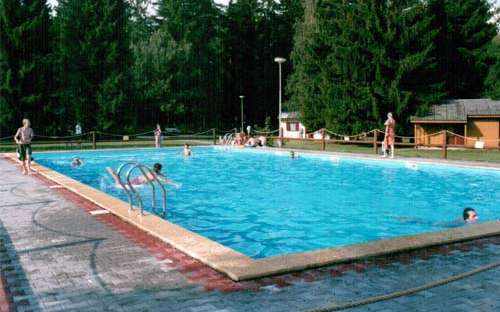 Kemp La Rocca - bazén, koupání