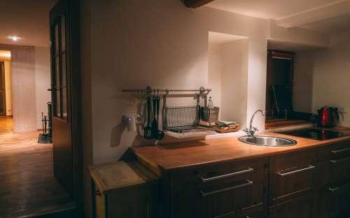 Kuchyňský kout v apartmánu