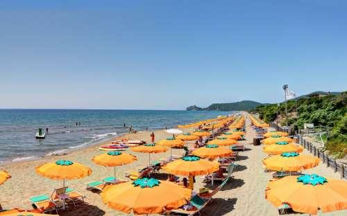 Kemp Rocchette - pláž kempu