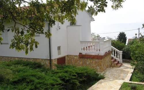 Katarina bungalow voor 5-mensen met een tuin