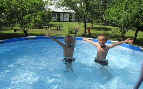 Zwembad bij het huisje