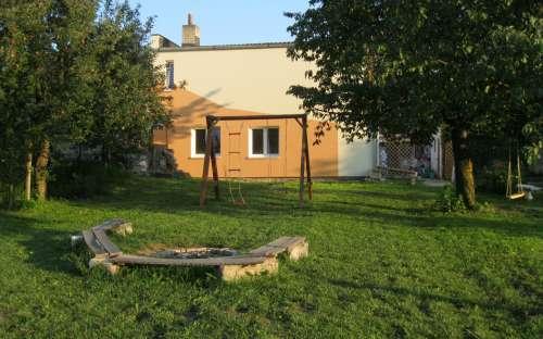Vakantiehuis en appartementen in Bořetice, uitzicht vanuit de tuin