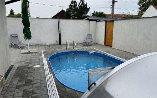 Schwimmbad 5,5 x 3,5 m mit Dach