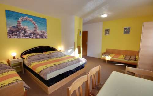 Cottage Pavel - chambre jaune