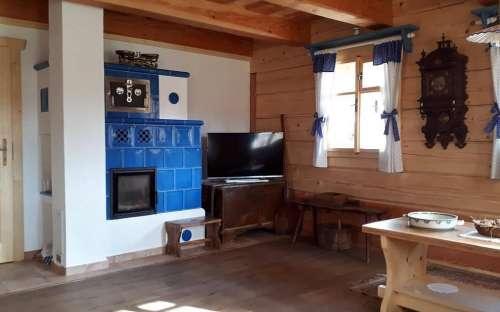 CottagePomněnka-タイル張りのストーブ