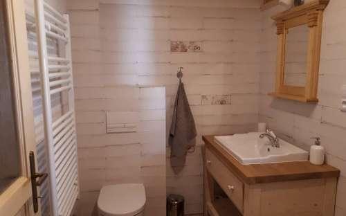 Chalupa Pomněnka - Dolna łazienka i toaleta