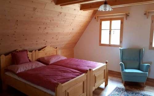 Domek Pomněnka - Czerwona sypialnia duża