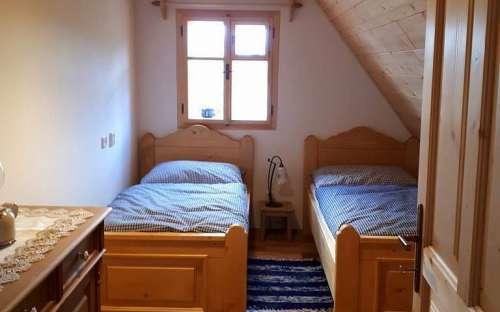 コテージPomněnka-青い小さなベッドルーム