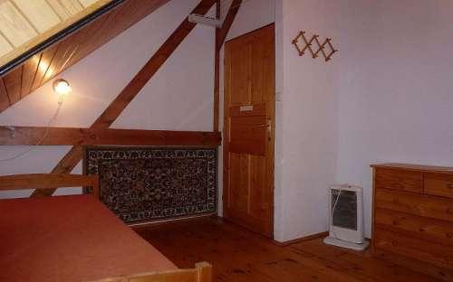 屋根裏部屋の2ベッドルーム