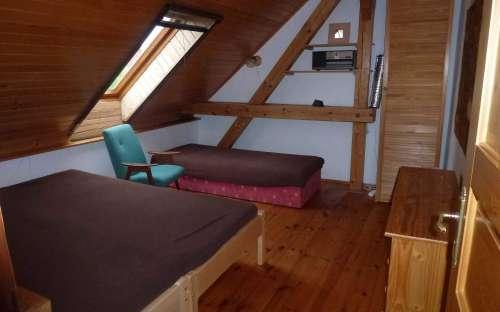 屋根裏部屋の3ベッドルーム