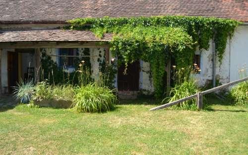 Vchod-Ubytování ve dvoře