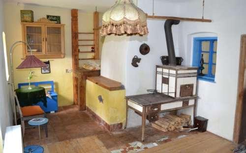 Ubytování ve dvoře - Pokoj pro dva - pec s kachlovými kamny