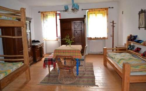 Apartmán Ubytování ve dvoře - Patrová postel - tři lůžka