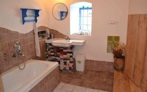 Apartmán Ubytování ve dvoře - Koupelna s toaletou