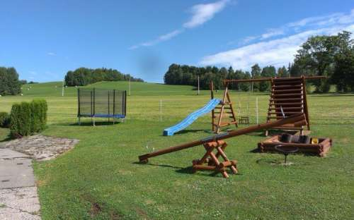 Venkovní hřiště - dětský koutek u chalupy