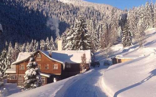 Cottage in inverno, Monti dei Giganti