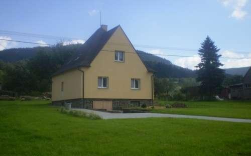 Chata Čestmír, Beskydy. Lhotka u Kozlovic, Moravskoslezsko