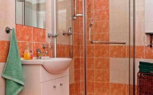 右コテージ - バスルーム