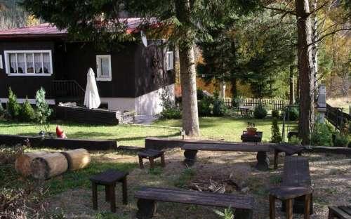 Kominek - teraz cała dolna część ogrodu jest ogrodzona