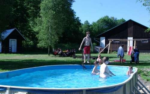 コテージによるプール