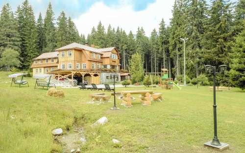 Okolí chaty je vhodné pro rodiny s dětmi