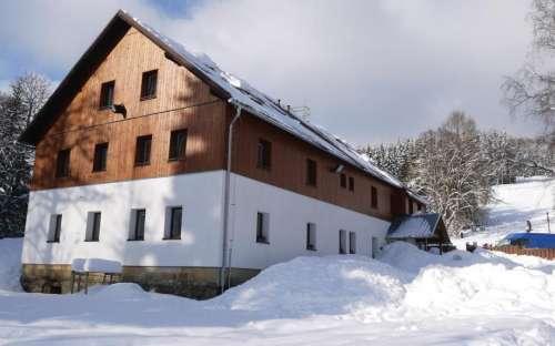 Chata Neratov v zimě