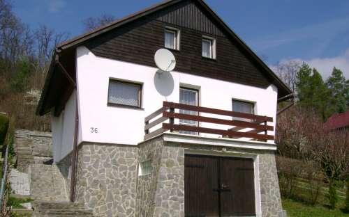 Orasice 36-賃貸コテージ、ČeskéStředohoří、ÚstínadLabem地域