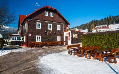 Cottage A + A、レストラン、バー