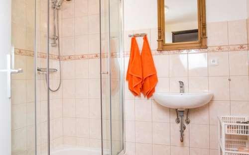 Dvoulůžkové pokoje - wc a koupelna