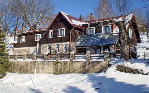 Roubená chata v Krkonoších, kapacita 58 lůžek