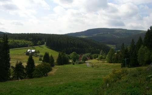 Pohled z chaty do okolí