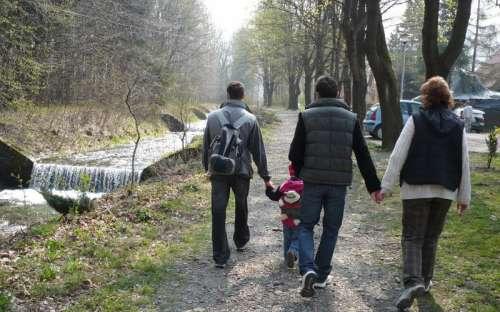 Een wandeling rond de rivier Ostravice