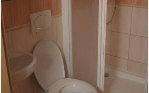 Camera Rossa (massimo 2 persona) - WC e doccia