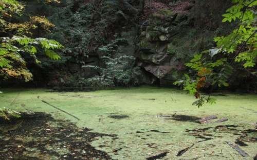 zatopený důl