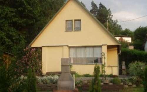 Žlutá chata v Nových Domkách, Olomoucký kraj